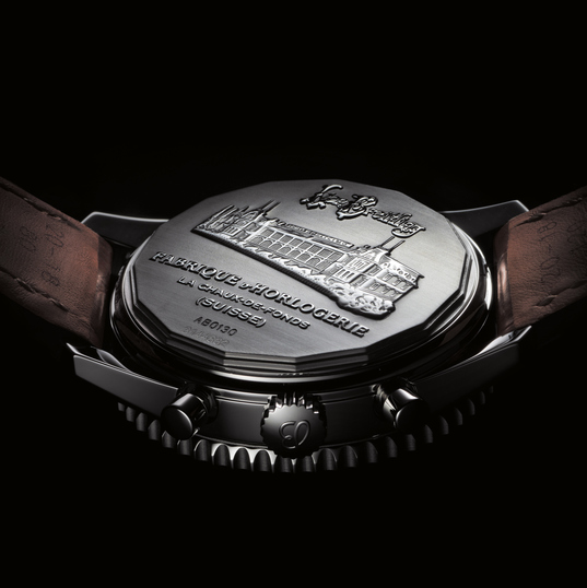 Special Caved Case Back Breitling Montbrillant 01 Replica Watches