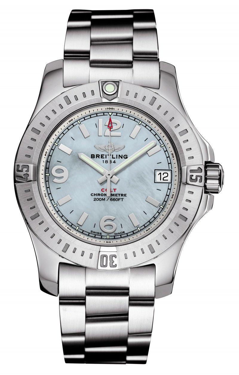 Luminous pointers and sapphire watch mirror make this fake Breitling watch provides the best readability. In addition to this, it also carries the super accurate SuperQuartz movement, with reliable and durable performance.
