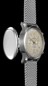 The durable watches fake Breitling Transocean AB015412 are made from stainless steel.