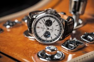 The sturdy fake Breitling Premier B01 Chronograph 42 watches are made from stainless steel.