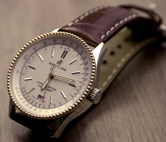 Swiss-made duplication watches are fashionable in the design.