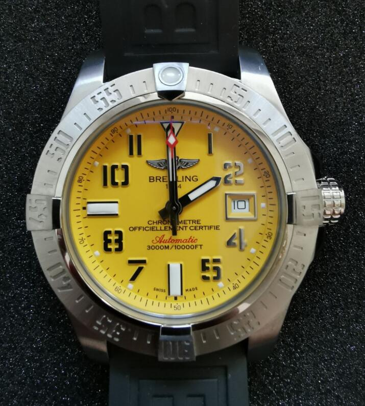 The yellow dial is really eye-catching.
