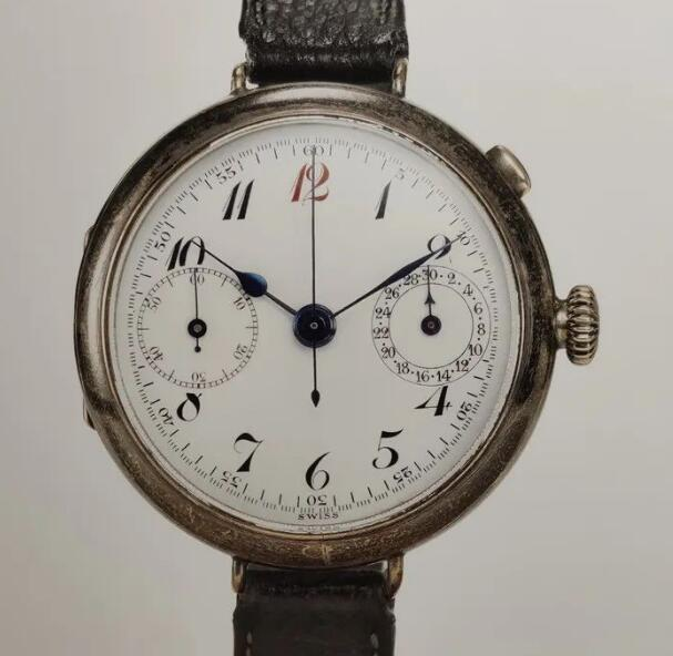 The first Breitling Chronograph fake watch was launched in 1915.