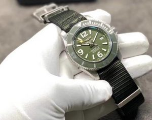 Perfect replica watches are classic in steel material.