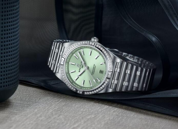 1:1 replica watches are new for ladies.
