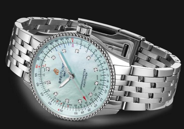 Online fake watches are chic for the blue color.