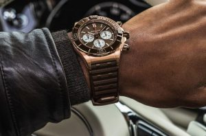 New replica watches well enhance the graceful feeling with brown tone.